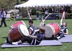 Photo: Japanese drummers